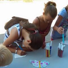 Andalucía reclama al Gobierno que pague sus becas a 113.000 alumnos